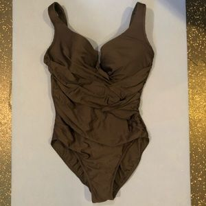 NWOT Black Miraclesuit Ruched Front One Piece